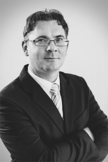 ROBERT KARAKAŠ